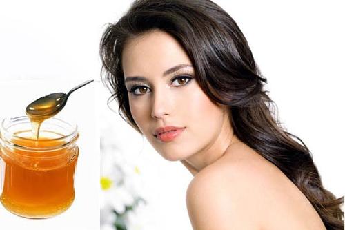 Mật ong - sữa chua giúp nuôi dưỡng, làm sáng da hiệu quả.