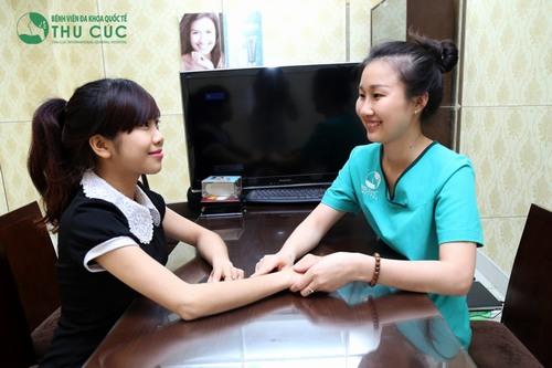 Chuyên gia Thu Cúc Clinics hướng dẫn cách chăm sóc da sau khi triệt lông