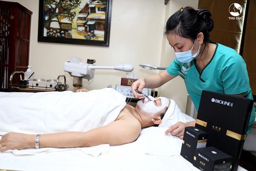 Hồng Loan chia cách chăm sóc da nhạy cảm cho chị em