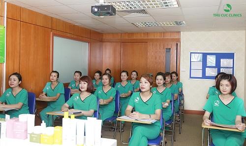 dieu-it-biet-ve-khoa-dao-tao-chuyen-vien-tham-my-thu-cuc-clinics