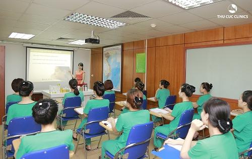 dieu-it-biet-ve-khoa-dao-tao-chuyen-vien-tham-my-thu-cuc-clinics1