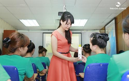 dieu-it-biet-ve-khoa-dao-tao-chuyen-vien-tham-my-thu-cuc-clinics2