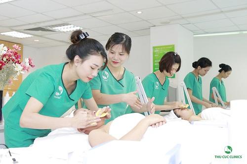 dieu-it-biet-ve-khoa-dao-tao-chuyen-vien-tham-my-thu-cuc-clinics4