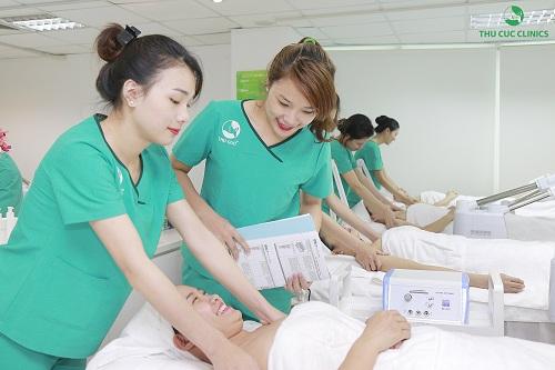 dieu-it-biet-ve-khoa-dao-tao-chuyen-vien-tham-my-thu-cuc-clinics6