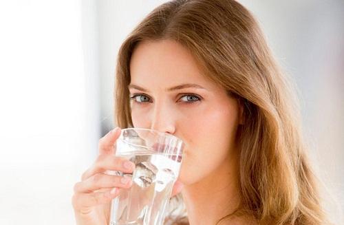 Nước rất cần thiết cho cơ thể cũng như làn da của bạn
