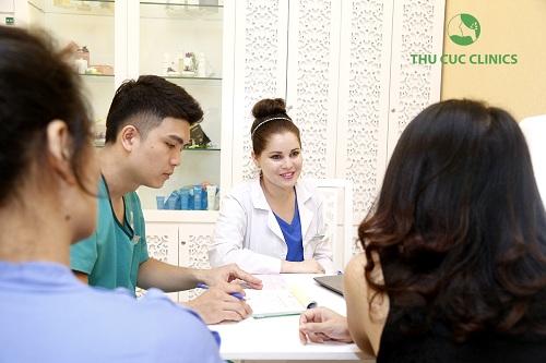 Đến với Thu Cúc Clinics khách hàng sẽ được các chuyên gia nước ngoài thăm khám và tư vấn tận tình về tình trạng sức khỏe làn da, nhu cầu và mong muốn làm đẹp của bản thân.