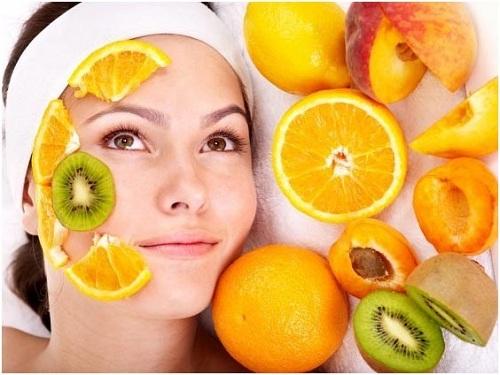 Vitamin C có tác dụng thần kỳ giúp da sáng đẹp và khỏe mạnh.