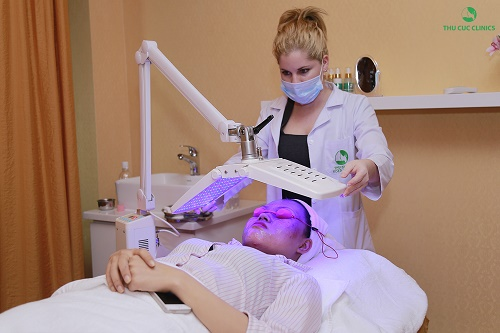 Đến những liệu trình chăm sóc da chuyên sâu như nâng cơ xóa nhăn, trẻ hóa da, trị nám, tàn nhang... bằng công nghệ cao.