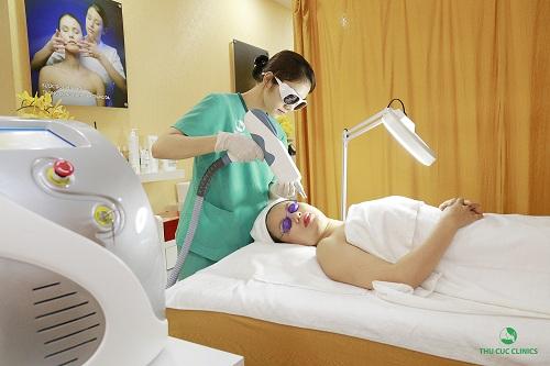 Trị đồi mồi bằng công nghệ cao tại Thu Cúc Clinics.