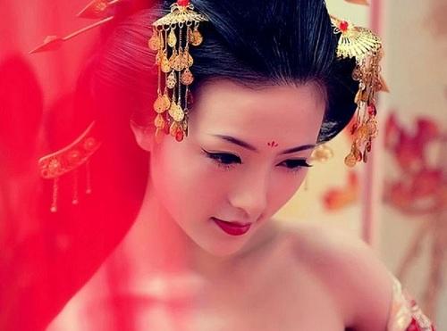 Trà xanh, nước vo gạo và cám gạo là bí quyết giữ gìn nhan sắc không tuổi của các geisha.