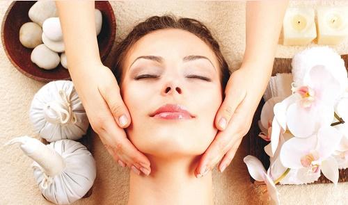 Ngày càng nhiều khách hàng có xu hướng tìm đến những liệu pháp làm đẹp da và thư giãn cơ thể tại các spa, trung tâm thẩm mỹ uy tín