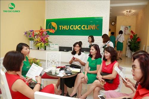 Ngay từ sáng sớm, rất nhiều chị em đã có mặt tại số 288 Bà Triệu, khối 2, phường Vĩnh Trại, tp.Lạng Sơn – cơ sở thứ 12 của Hệ thống Thu Cúc Clinics.