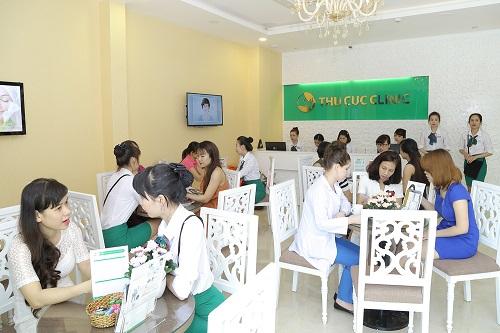 Cận cảnh thăm khám, tư vấn liệu pháp làm đẹp cho khách hàng tại Thu Cúc Clinics