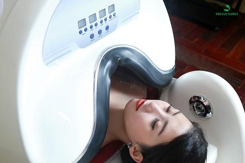 Trải nghiệm thú vị khi tắm trắng với thiết bị phi thuyền hiện đại là một trong những yếu tố thu hút các chị em lựa chọn phương pháp này.