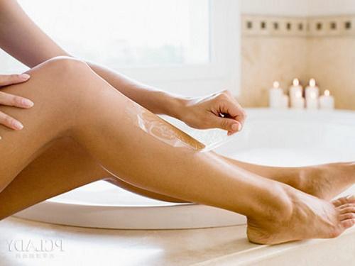 Không nên wax lông trước khi tiến hành triệt bằng Laser.
