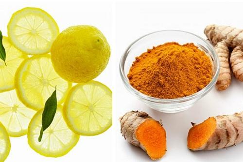 Các dưỡng chất trong chanh và bột nghệ đem đến khả năng làm mờ đốm nám