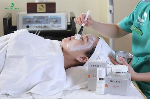 Liệu pháp chăm sóc chuyên sâu với sản phẩm De-ox C tại Thu Cúc Clinics đón nhận được sự quan tâm và đánh giá tích cực của đông đảo khách hàng