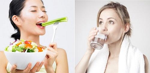 Ăn nhiều rau quả và uống đủ nước mỗi ngày để môi luôn được khỏe mạnh, tươi sáng.