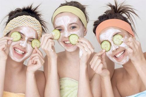 Đắp mặt nạ tự nhiên cũng là khoảng thời gian mỗi eva thư giãn, xả stress hữu hiệu