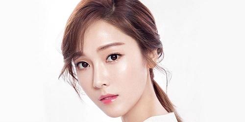 Jessica ưu tiên sử dụng dầu dừa khi làn da bị mụn thâm