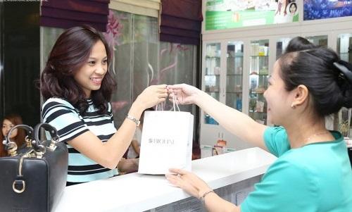 Tại Việt Nam, dòng sản phẩm Bioline Jato được phân phối độc quyền trong hệ thống Thu Cúc.