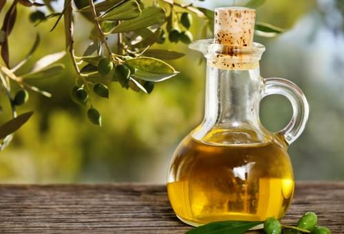 Dầu oliu có tác dụng chống oxy hóa, đảy lùi nếp nhăn