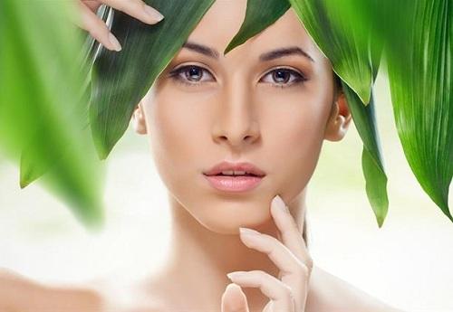 Ưu tiên các sản phẩm từ thiên nhiên lành tính để làn da được nâng niu và trân trọng nhất.