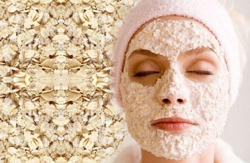 Mặt nạ làm se khít lỗ chân lông bằng bột yến mạch thích hợp cho những cô nàng da dầu.