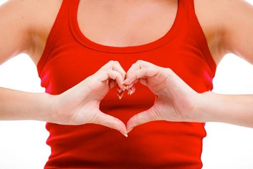 Bệnh tim là một trong những nguyên nhân dẫn đến tình trạng môi thâm đen
