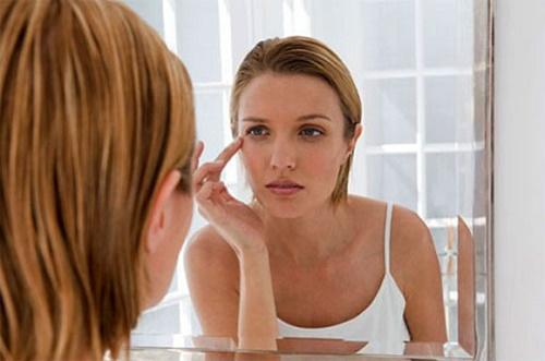 Cần sớm kiểm soát toàn bộ các vấn đề sức khỏe khi quầng thâm mắt không tự mất đi dù đã nghỉ ngơi hợp lý.