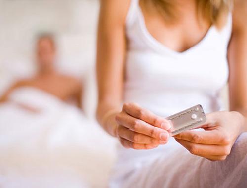 Các loạithuốc tránh thai cũng có thể khiến tình trạng nám da xuất hiện.