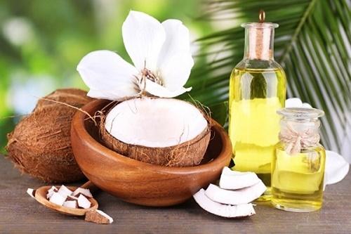 Dầu dừa không chỉ dưỡng ấm da mà còn trị sẹo lõm hiệu quả
