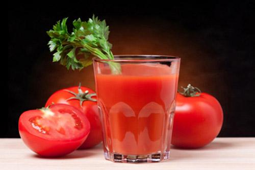 Nước ép cà chua rất tốt cho vùng da bị sẹo