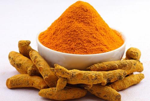 Các dưỡng chất trong bột nghệ có khả năng trị thâm mông hiệu quả
