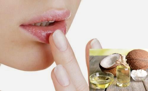 Thực hiện trị thâm môi với dầu dừa cần tiến hành thường xuyên, liên tục mới cho hiệu quả tích cực