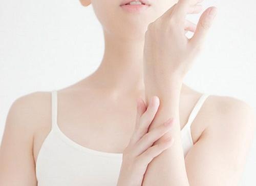 Việc chăm sóc da trở nên dễ dàng, hiệu quả hơn khi bạn tắm trắng vào mùa đông.