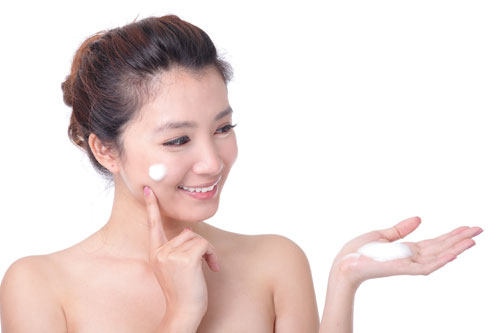 Dưỡng da là bí quyết giúp da mềm mại, trắng sáng và ngăn ngừa quá trình lão hóa hiệu quả