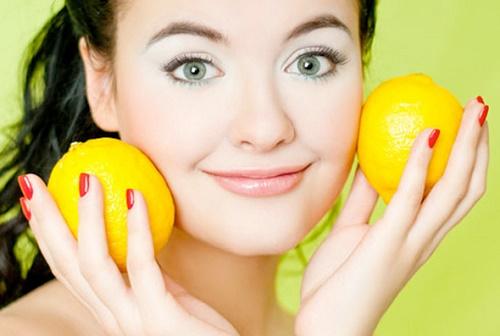 Trong chanh có hàng loạt dưỡng chất giúp làm trắng da hiệu quả.