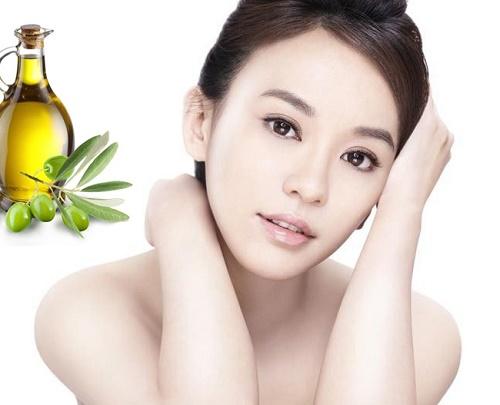 Nhiều chị em sử dụng dầu oliu để làm đẹp da và thu được hiệu quả tích cực