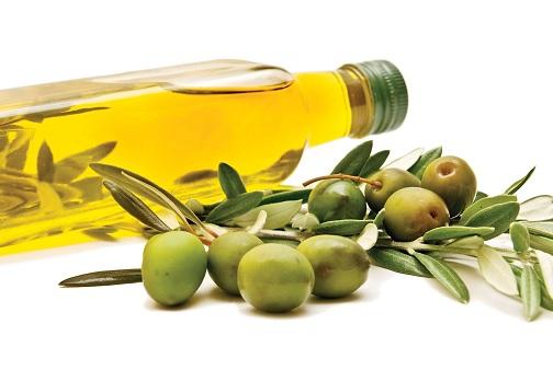 Sử dụng hỗn hợp dầu oliu, mật ong đem đến khả năng trị thâm mụn nhanh chóng
