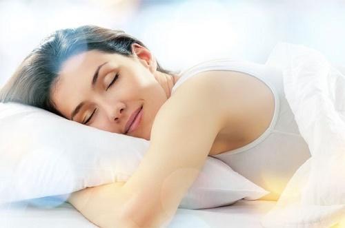 Ngủ đủ giấc giúp cơ thể khỏe mạnh, minh mẫn và làn da căng mịn đầy sức sống