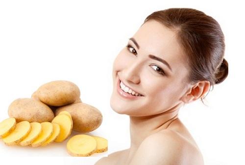 Ngoài tác dụng trị vết thâm, khoai tây còn có khả năng se khít lỗ chân lông hiệu quả tại nhà.