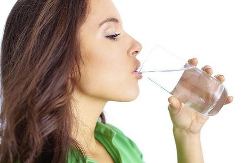 Uống nước vừa giúp thanh lọc cơ thể lại làm đẹp da hữu hiệu