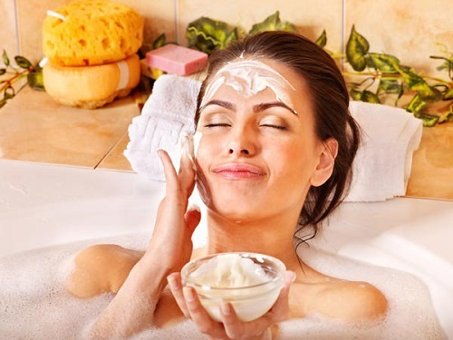 Sử dụng cám gạo để tắm trắng tại nhà cho hiệu quả làm đẹp rất tốt.