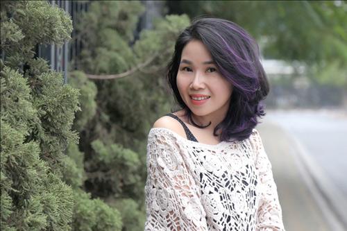 Hay chị Bùi Lan (38 tuổi), sau liệu trình nâng cơ xóa nhăn bằng công nghệ Hifu kết hợp dưỡng P'cell tại nhà đã vô cùng ngỡ ngàng khi sở hữu gương mặt rạng rỡ, trẻ trung.