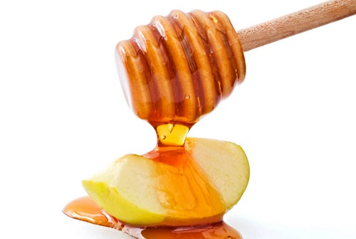 Ngoài khả năng dưỡng trắng, hỗn hợp mật ong giấm táo còn có tác dụng trị mụn ẩn hiệu quả