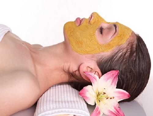 Mặt nạ mật ong - nghệ cho hiệu quả trị mụn rất nhanh chóng.