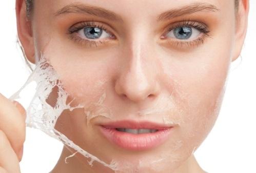 Tẩy tế bào chết thường xuyên giúp làn da loại bỏ bụi bẩn bã nhờn, lỗ chân lông thông thoáng giãn nở