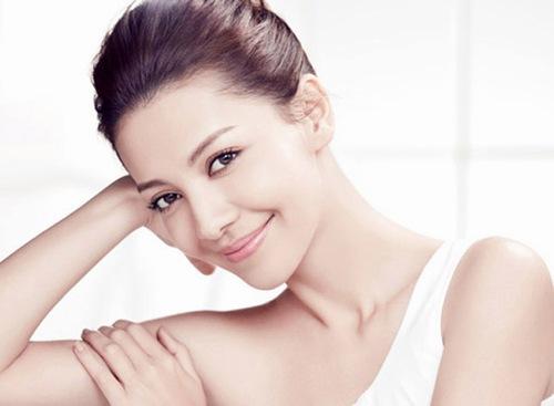 Sở hữu làn da trắng sáng, mịn màng là mơ ước của đa số phụ nữ Việt.