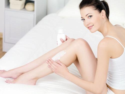 Làn da sau khi tắm trắng cần tăng cường dưỡng ẩm.